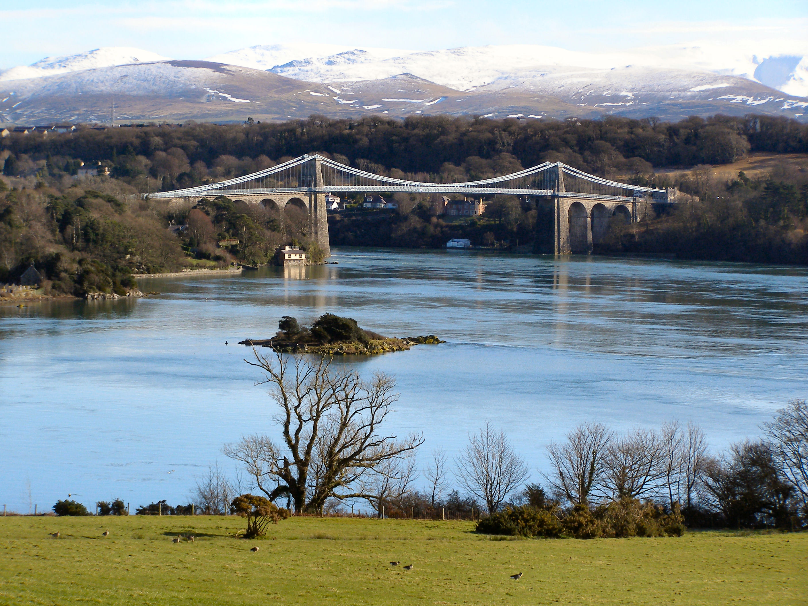 Menai-Suspension-bridge-1